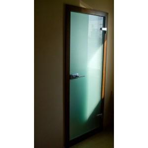Dvere z kaleneho skla