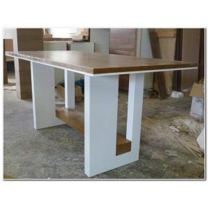 Jedálenský stol biely lesk a dub